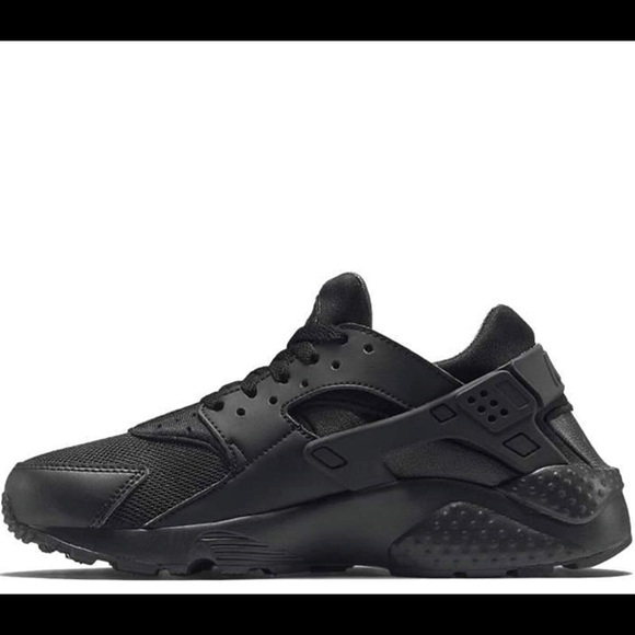 d1e5edcb121f2 Youth Nike Huarache shoes black size 6Y. M 5bf2d441d6dc521c96d17377